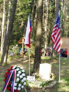 Pomník Virgil Paul Kirkhama vZadní Hoře