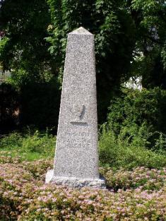 Husův pomník jako vzpomínka načtyři české bratry zobce Újezd upálenými prosvoji víru 6.11.1503 vBoru uTachova.